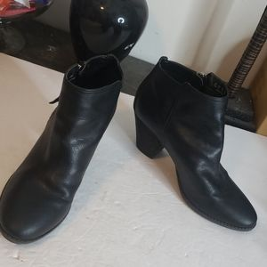 Dr. Scholl's Black Ankle Boots Size 11